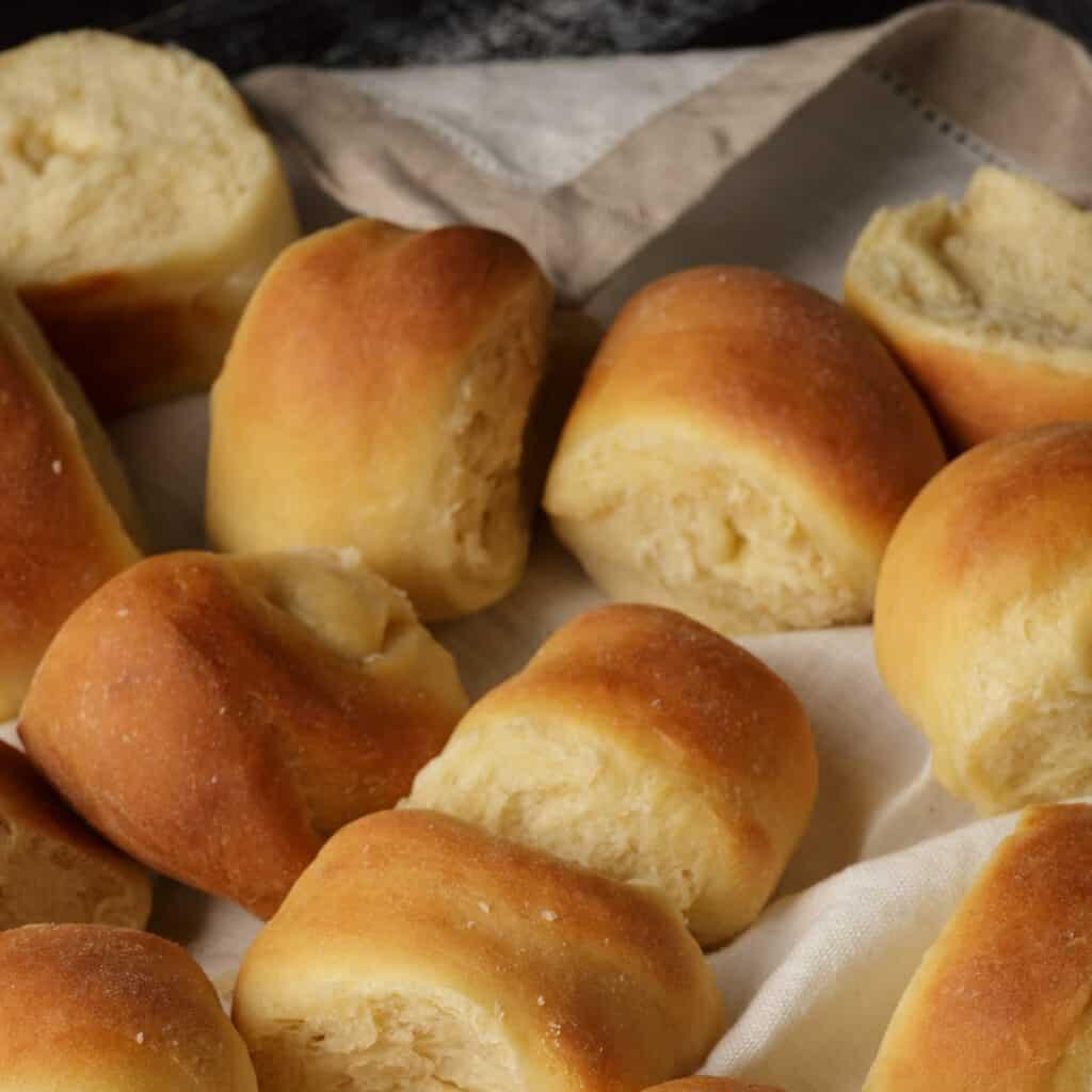 Yeast rolls in a linnen napkin.