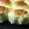yeast rolls on a cooling rack