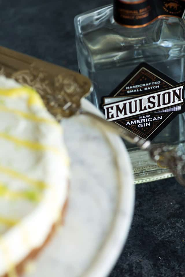 Emulsion American Gin from The Fainting Goat Spirits blends perfectly with the lemon and lime in this no-bake cheesecake | butterandbaggage.com