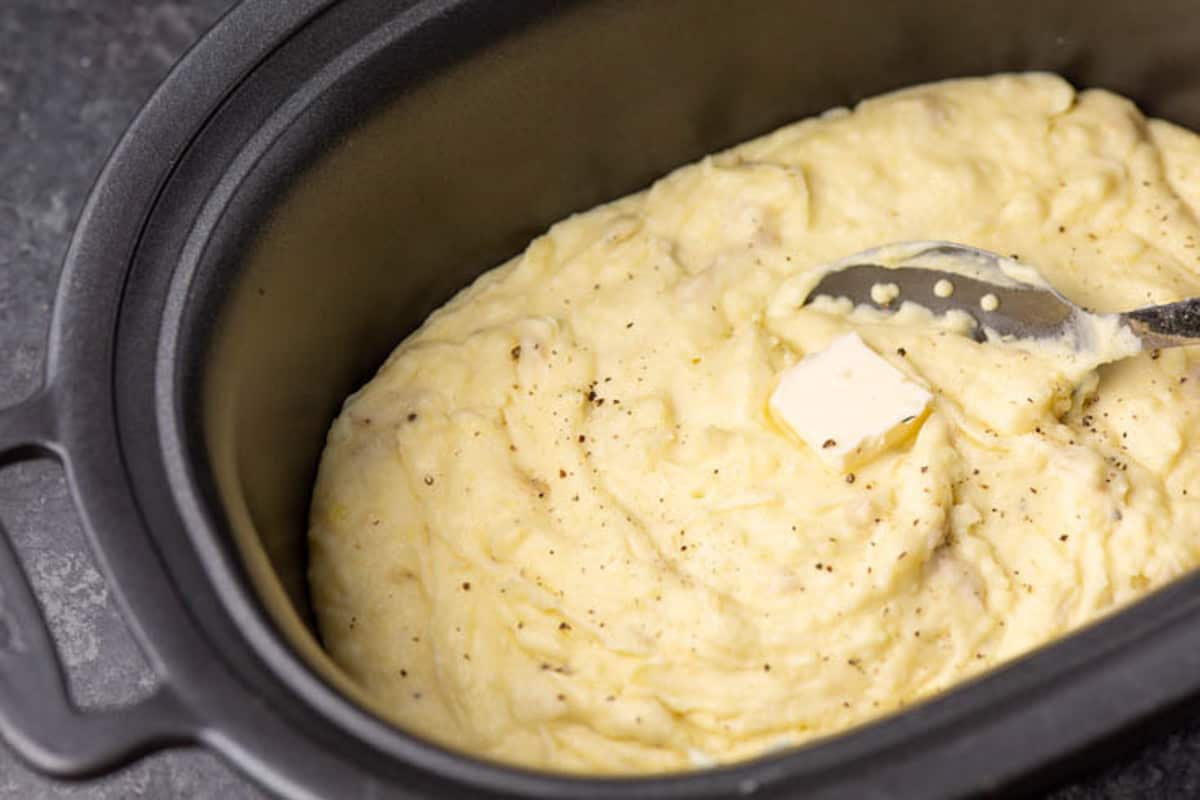 Mashed potatoes in a slow cooker.