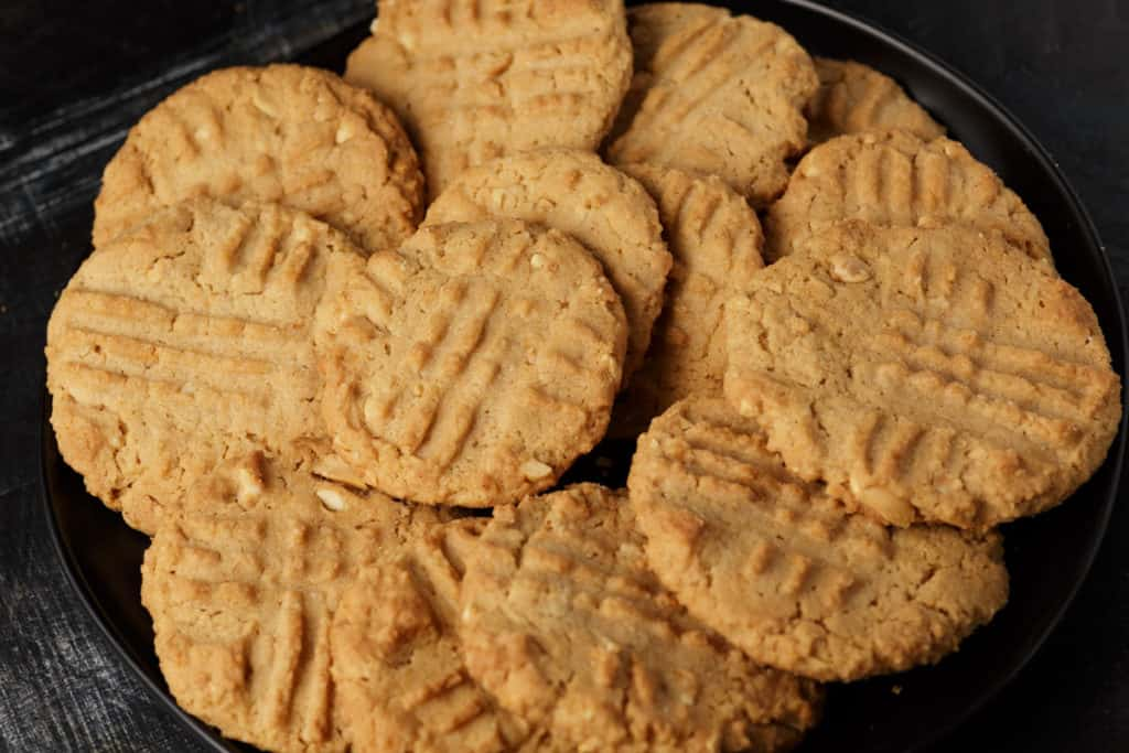 A plate of peppery peanut butter cookies