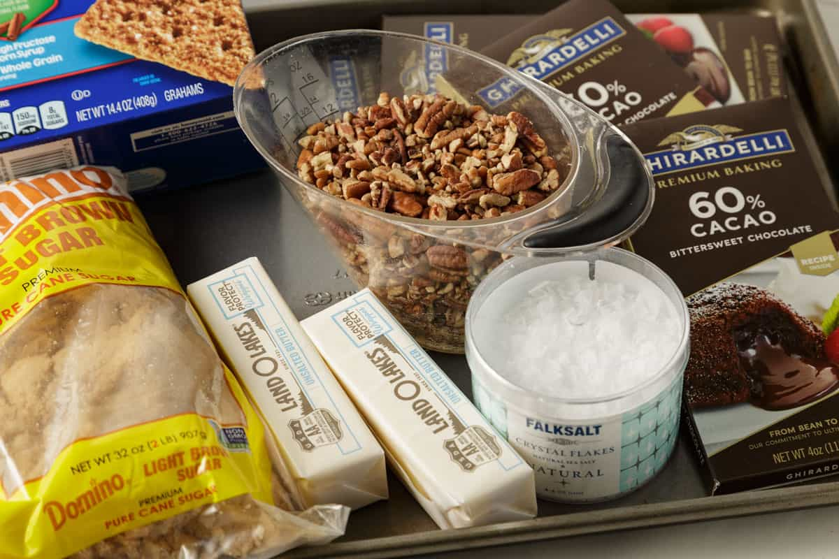 The ingredients for Christmas chocolate bark